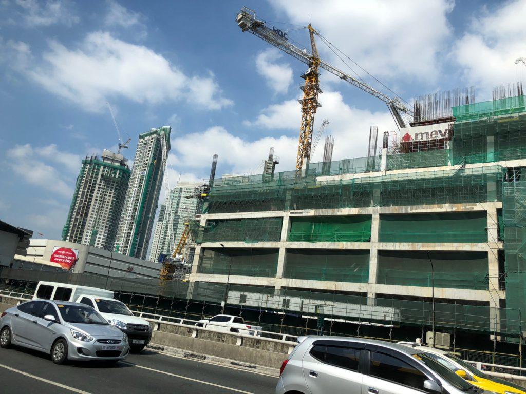 フィリピンのビル建設現場